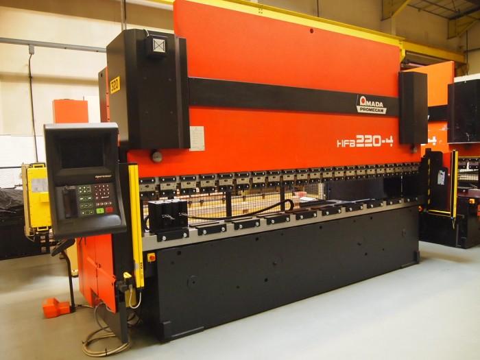 CNC Lakštų lankstymo staklės.