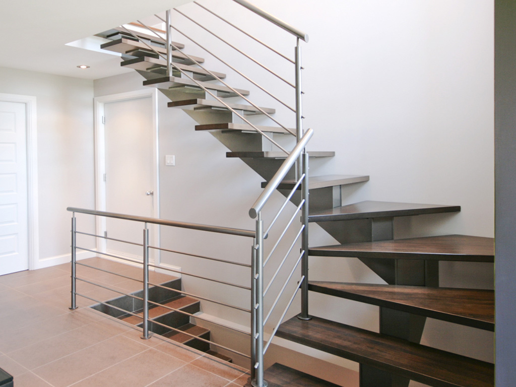 Straight Single Stringer Stairs